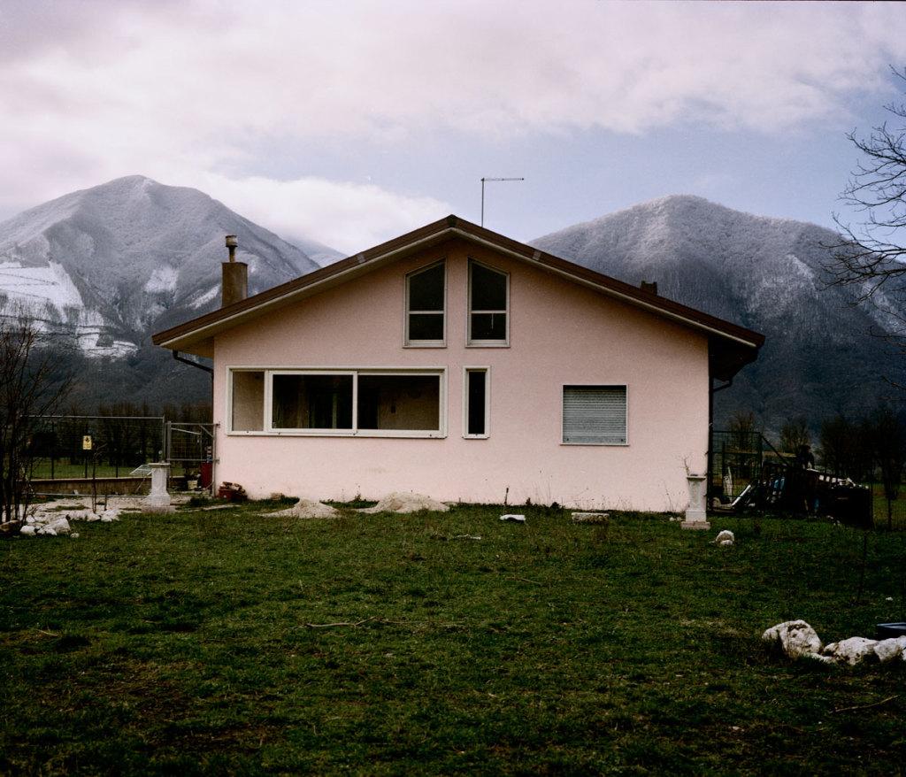 My Broken World, Irpinia, Campania, Italy, 2010. ### Il mio mond