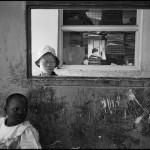 Bambini alla finestra Shiniyanga, Tanzania 2014